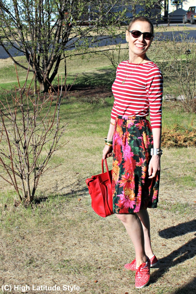 over 40 fashion woman in mixed prints