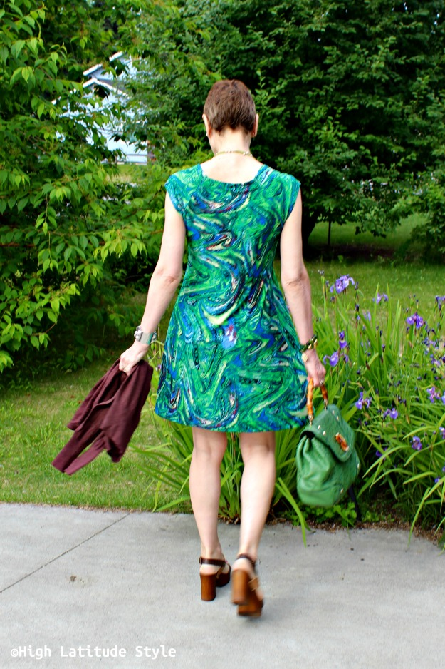 advanced style woman in print dress