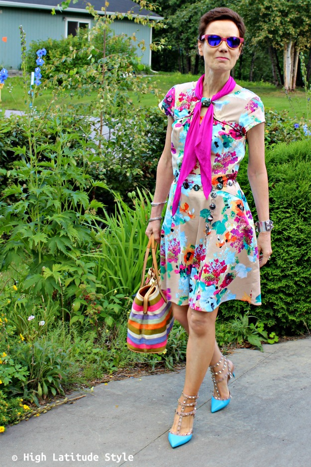 fashion over 40 woman in colorful look