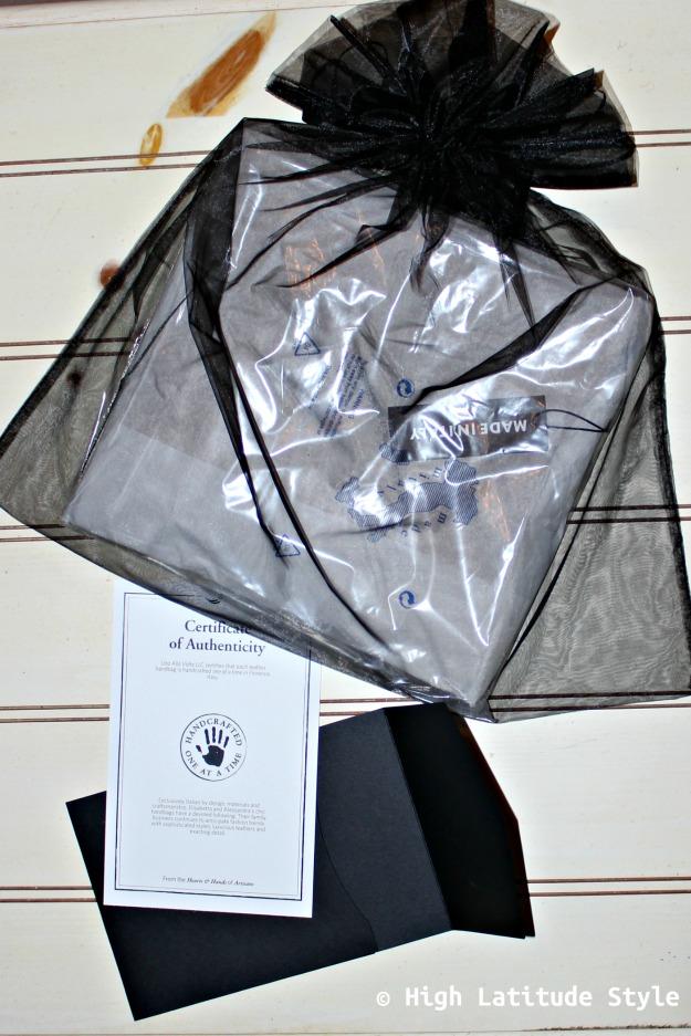 Uno Alla Volta gift wrapping