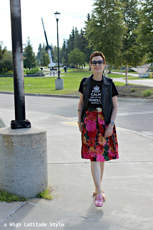 fashion over 40 woman in pre-fall outfit