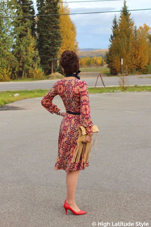 midlife woman in fall posh chic outfit